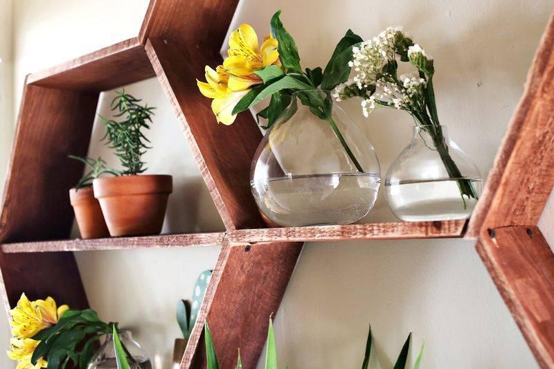 Красивые подставки для комнатных цветов своими руками: фото лучших идей как сделать стойку для цветов